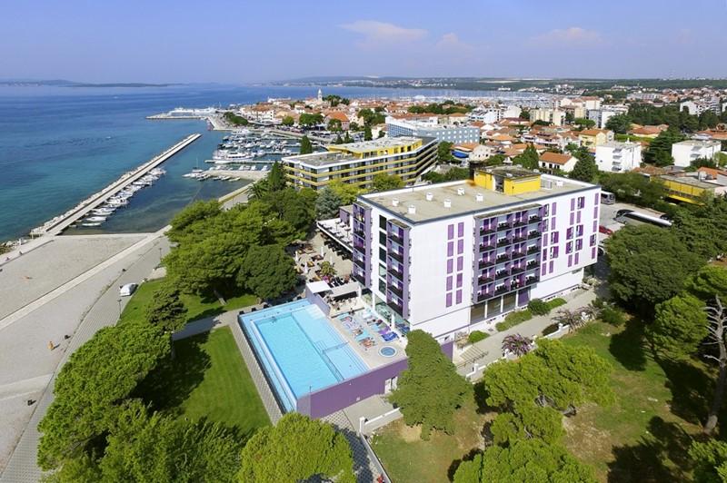 Adriatic hotel ***  - BUS
