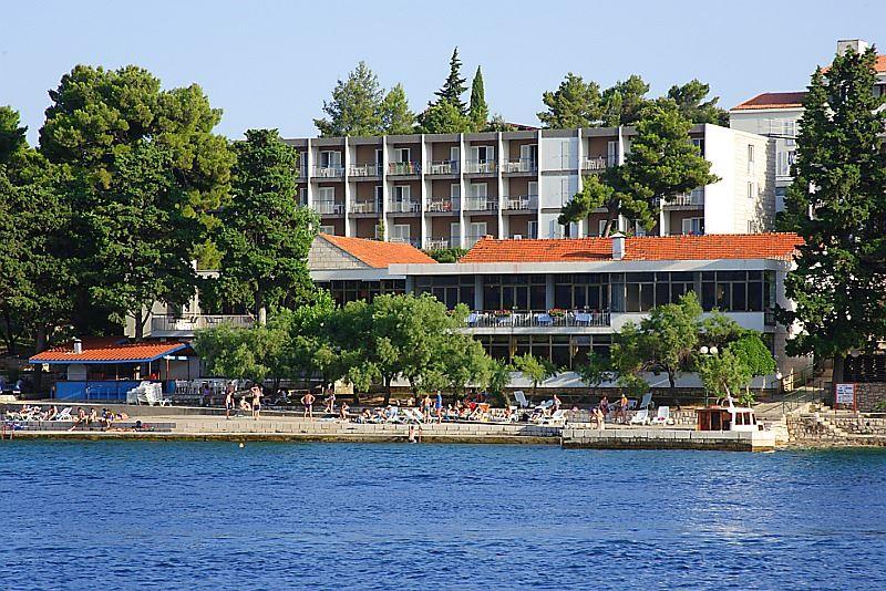 Park hotel *** - BUS