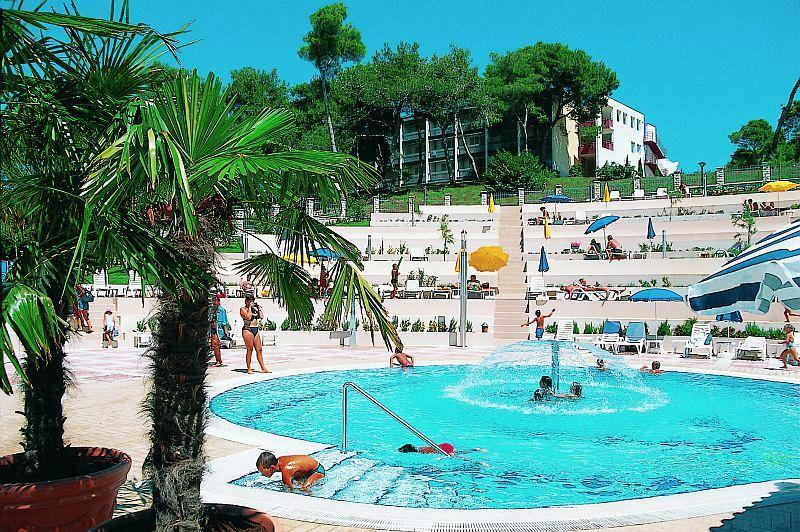 Pineta hotel *** - BUS